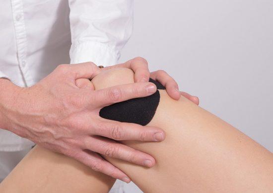 image genou manipulation arthrose medecin